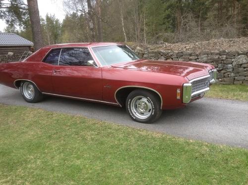 Chevrolet_Impala_69